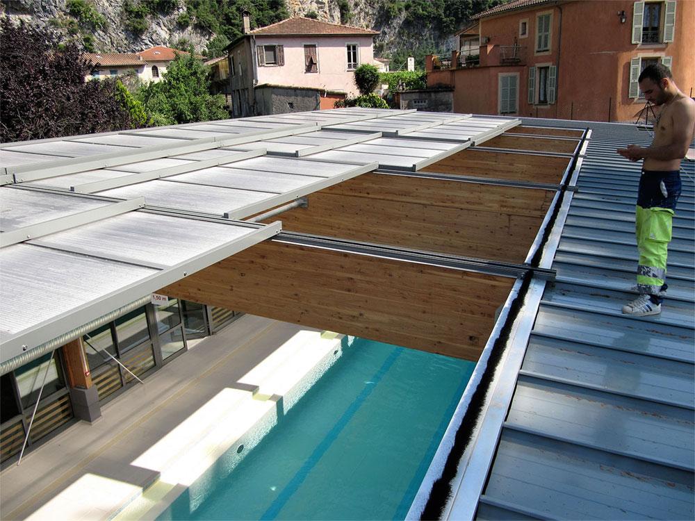 Piscine publique avec un toit amovible - TOITEL