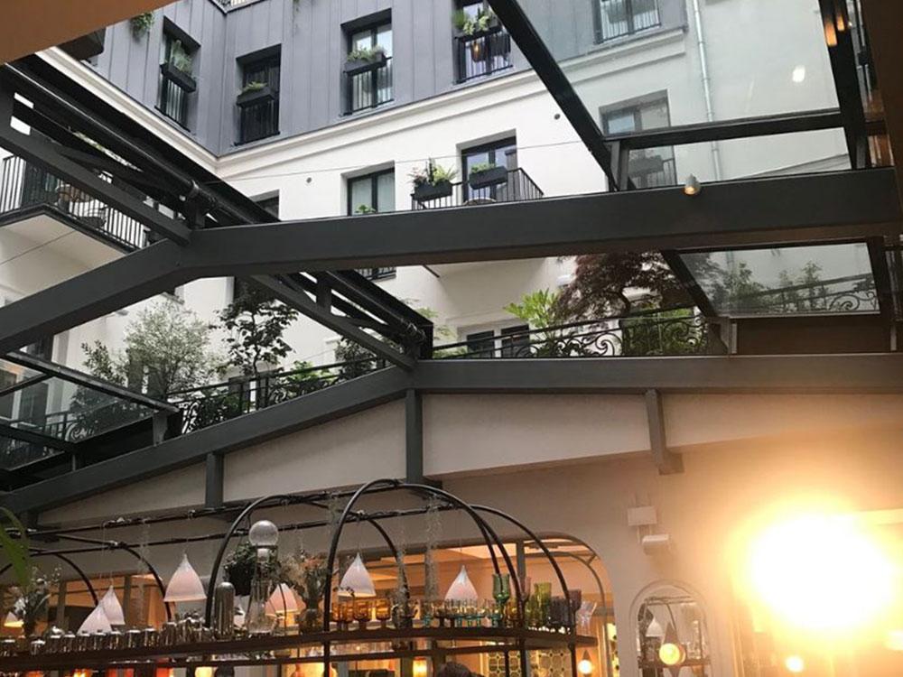 Toiture ouvrante au bar de l'Hotel GRANDS BOULEVARDS (PARIS 02) - TOITEL