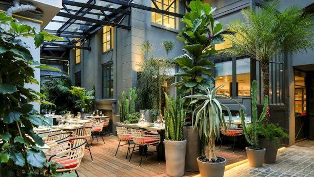 Toiture rétractable pour restaurant LE KLAY SAINT SAUVEUR avec une verrière coulissante - 4